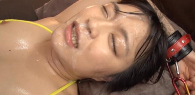 顔射された女性